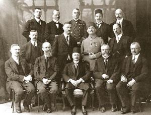 C. H. Becker mit türkischer Delegation während des Ersten Weltkrieges (1916/17?)