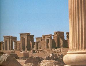 Palast des Darius in Persepolis, aus:Die Welt der Perser von Henri Stierlin, Gondrom 1980